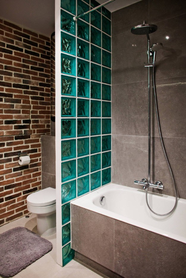 Nice glass wall to zone toilet and shower areas