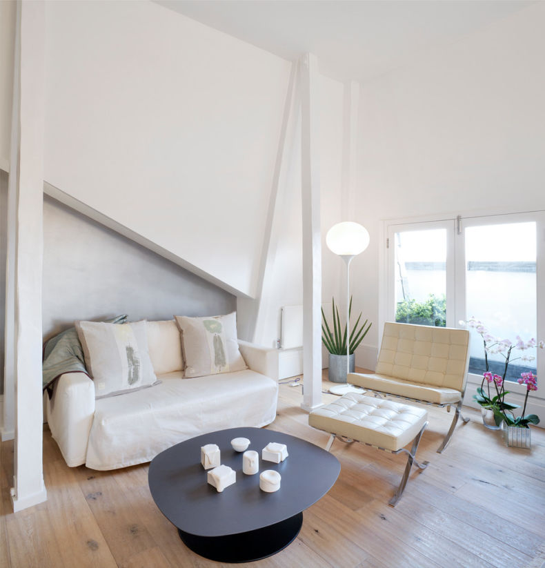 White Living Room: Different Style Interiors with Photos. Nice laconic style and peculiar architecture