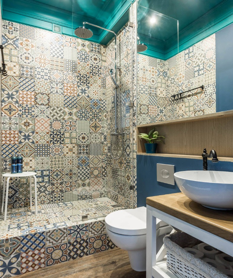 Colorful Arabic tile in the modern bathroom
