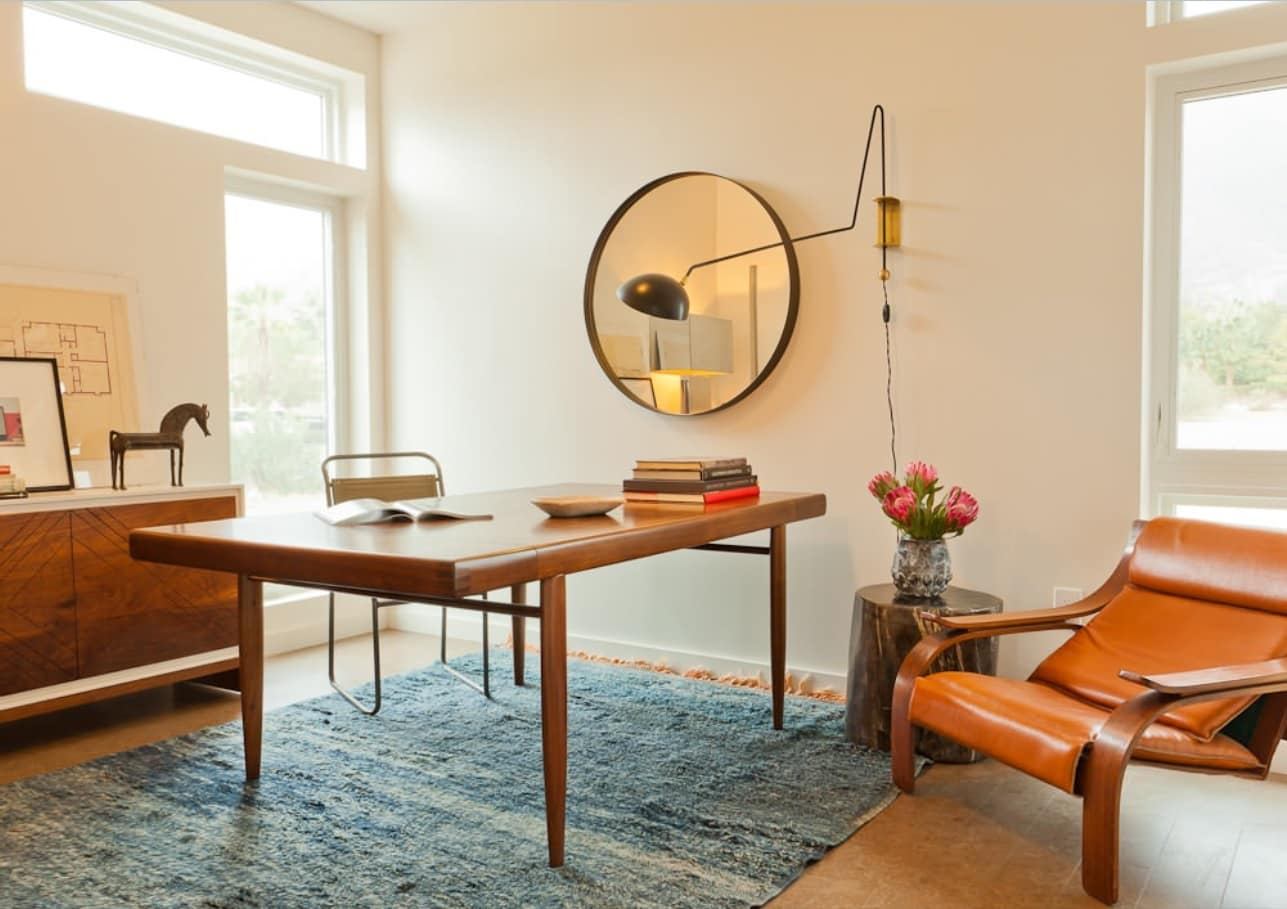 Power and Productivity: Home Office Decorating Ideas that Make Sense. Simple minimalism of the interior but still businesslike atmosphere