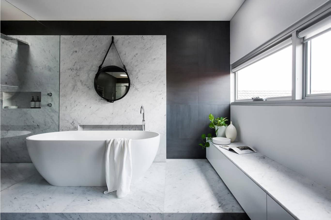 5 Design Ideas that will Make Your Bathroom Beautiful. Large room with the countertop at the panel window