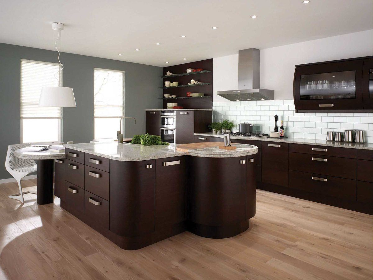 Modern Style Kitchen Design Ideas and Arrangement Advice with Photos. Dark brown large island in the center oа spacious modern designed space