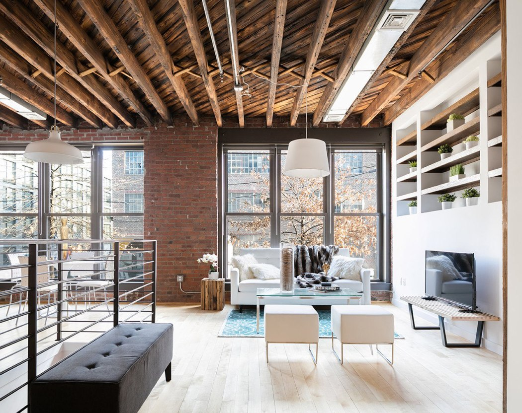 DIY Loft Style Interior Elements to Set Unrepeatable Atmosphere at Home. Open ceiling communication at the spacious industrial apartment