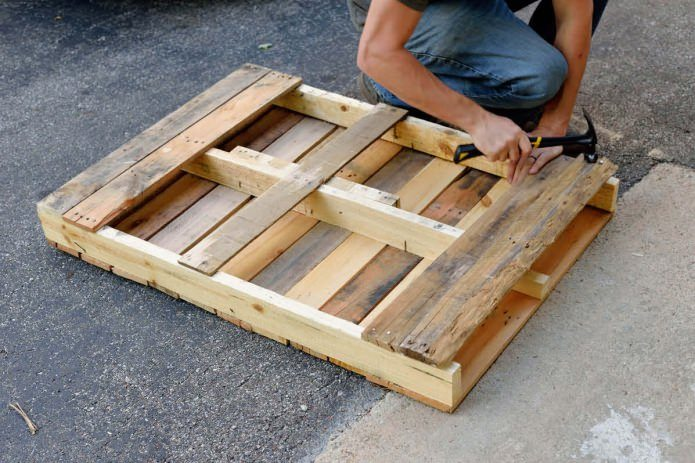 DIY Loft Style Interior Elements to Set Unrepeatable Atmosphere at Home. Making a wooden coffee table. Step 5