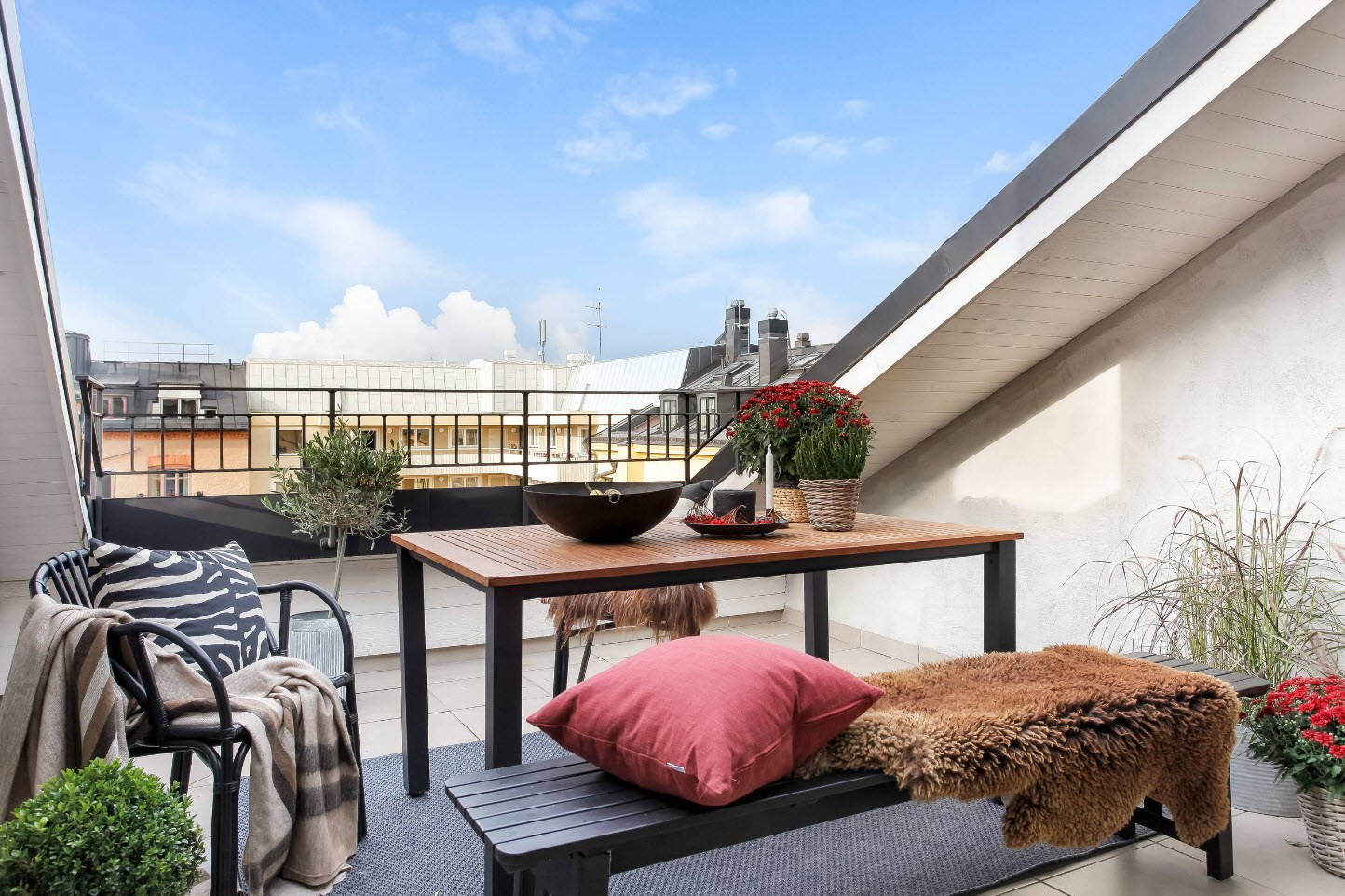 Large Balcony Design Ideas: Modern Trends in Furniture and Decoration. Loft terrace with full-fledged living zone