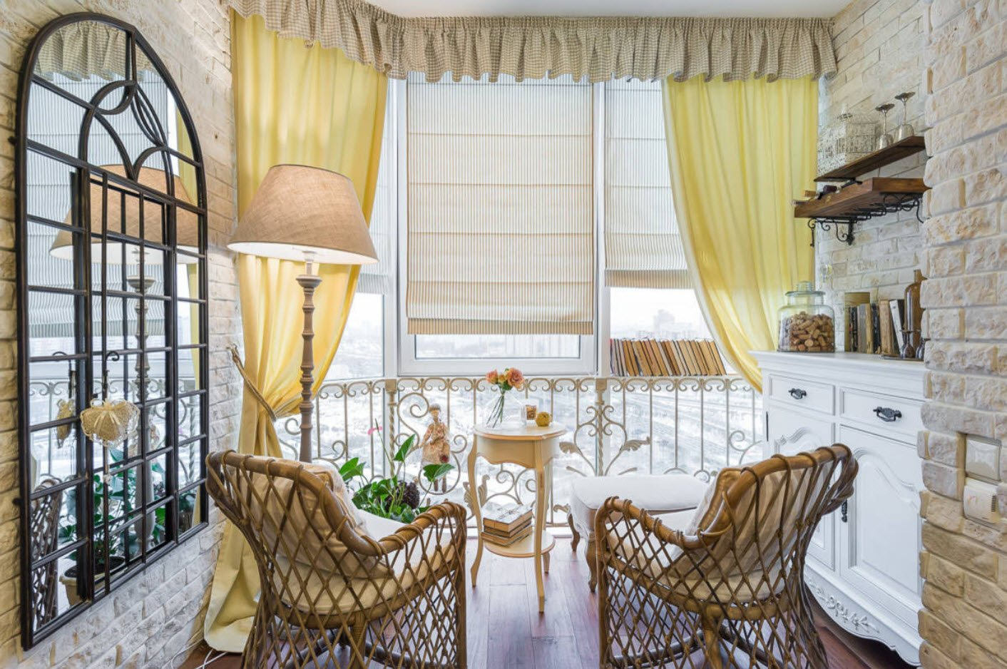 Balcony Curtains: Actual and Fashionable Decoration Ideas. Classic idyll with wicker furniture