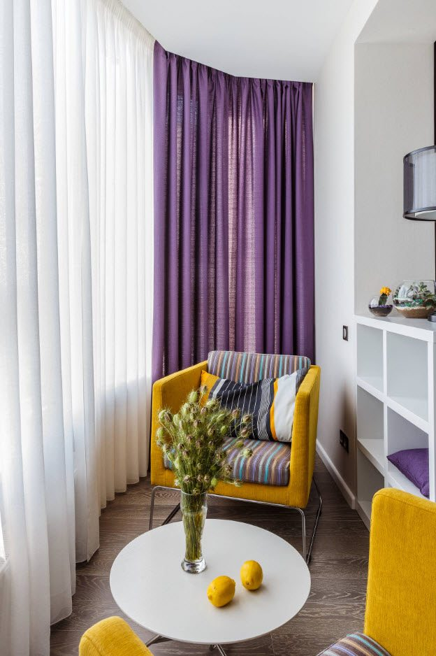Balcony Curtains: Actual and Fashionable Decoration Ideas. Purple and white tulle