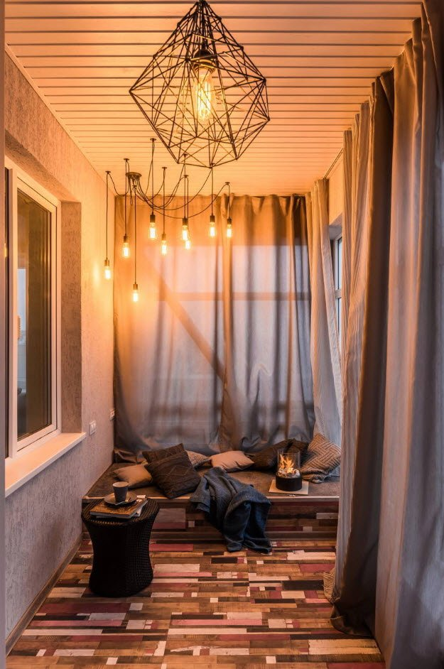 Balcony Curtains: Actual and Fashionable Decoration Ideas. A touch of vintage style with suspended open-cord lamps