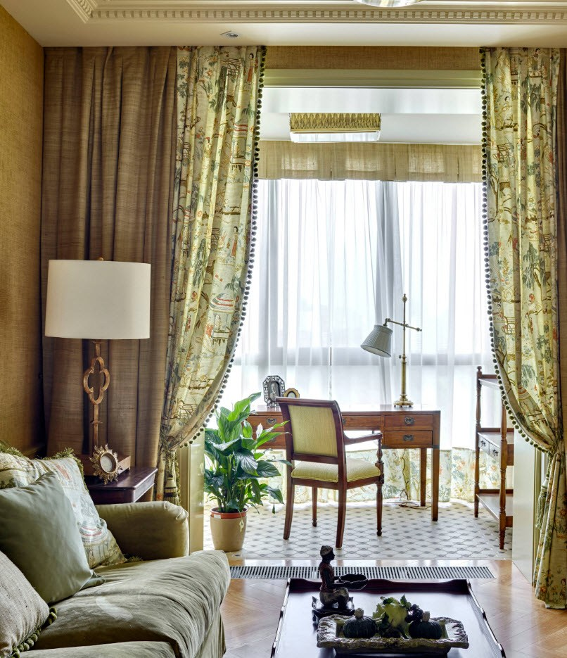 Balcony Curtains: Actual and Fashionable Decoration Ideas. Tulle drapes and the dining zone at the window