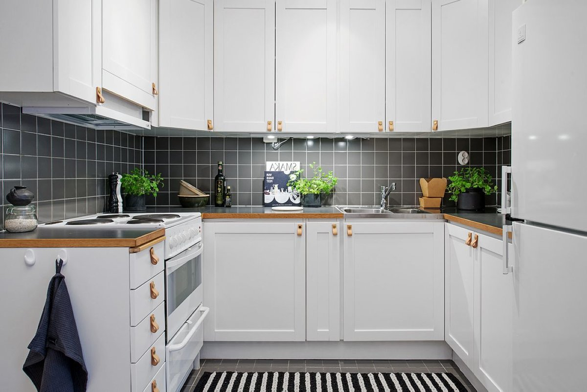 Scandinavian Style Kitchen: Interior Decoration and Furniture Ideas. Black and white striped floor and dark tile for the splashback