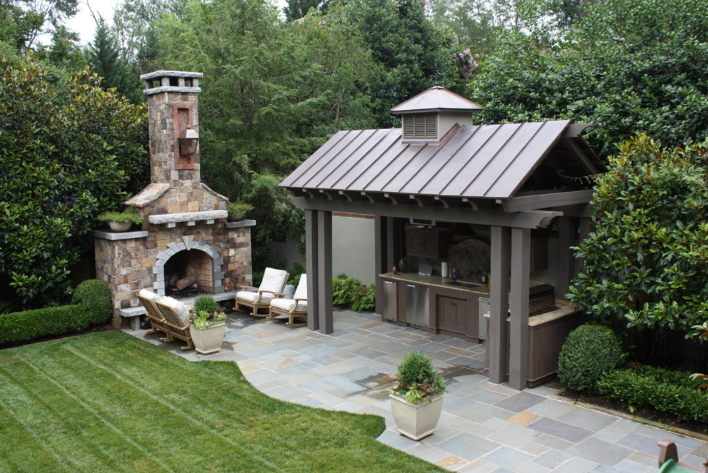 Best Landscape Design Ideas: Decorating Your Courtyard. Nice barbecue zone