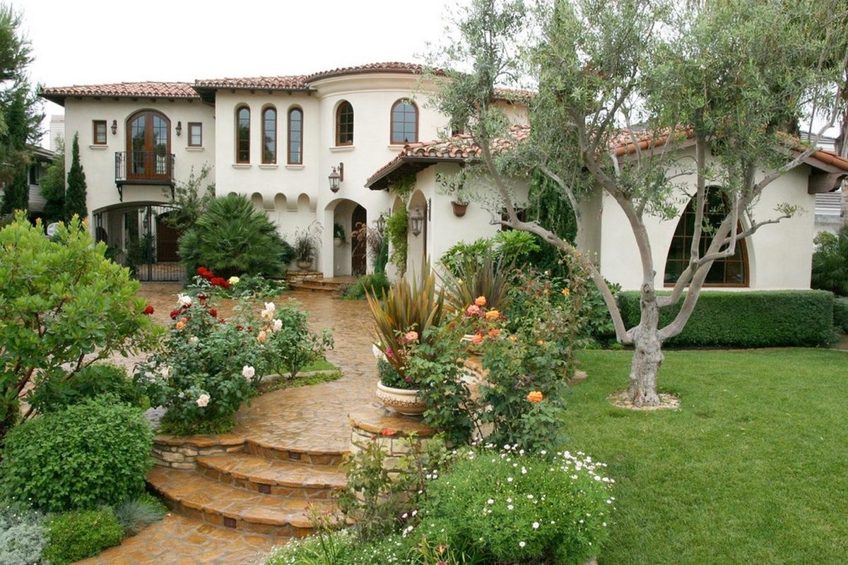 Best Landscape Design Ideas: Decorating Your Courtyard. Nice Mediterannean design