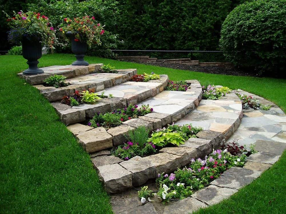 Stone laid sime-circular steps at the backyard