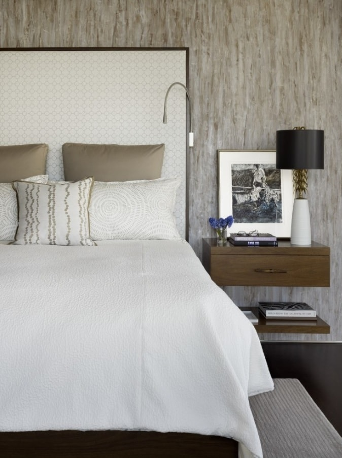 Small Bedroom? No Problem! 10 Room Ideas That Are Big in Style. Textured walls and snow white bed linen