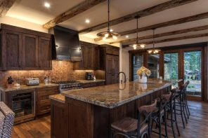 Chalet Kitchen Interior: Description, Design Tips with Photos