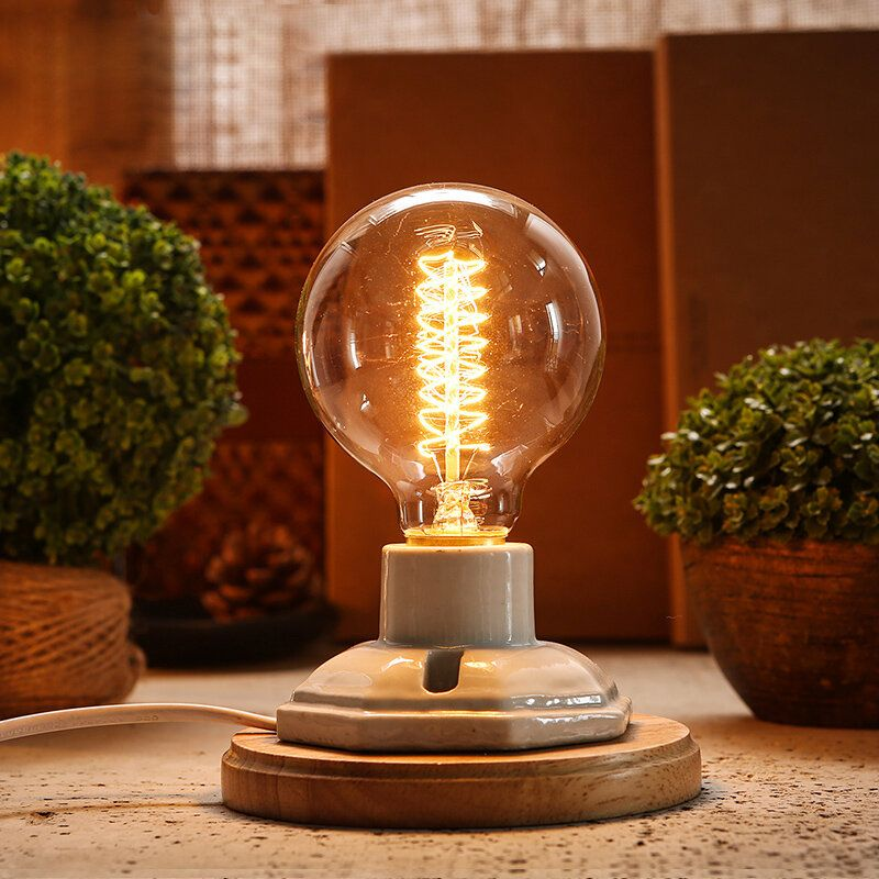 Good looking bulb lamp with open spiral