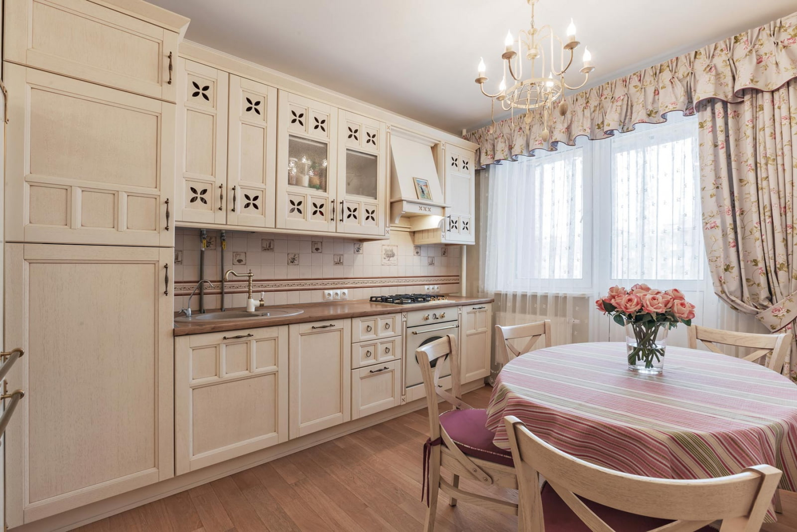 Provence Style Kitchen Interior Design for Cozy Life with Taste of Classics. Wooden floor and white neat designed kitchen furniture set