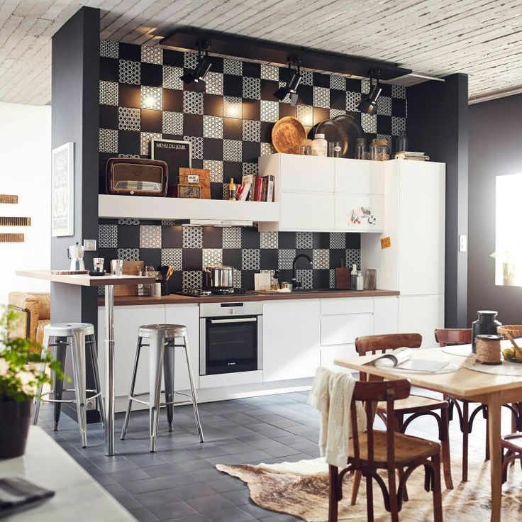 Fusion Style Kitchen Interior Design: Features and Arrangement Ideas. Unusual chessboard imitating tile