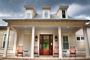 Acadian Style Home Design: Description, Floor Plans and Tips. Great design with outdoor patio at the front door