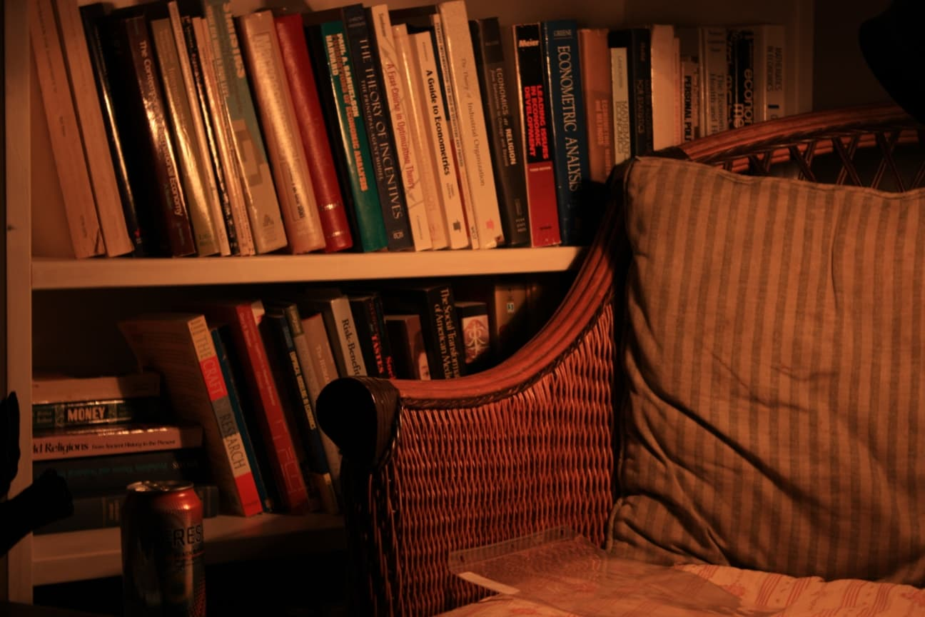 Boudoir? She Shed? What is the Analogue for Man Cave for Women? Reading zone for book fans