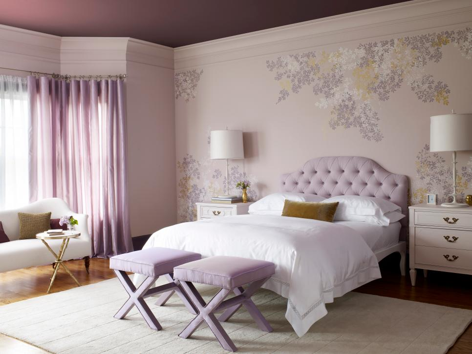 Cozy Feminine Bedroom Ideas for Relaxation and Boosting Your Energy. Purple toned space with quilted headboard