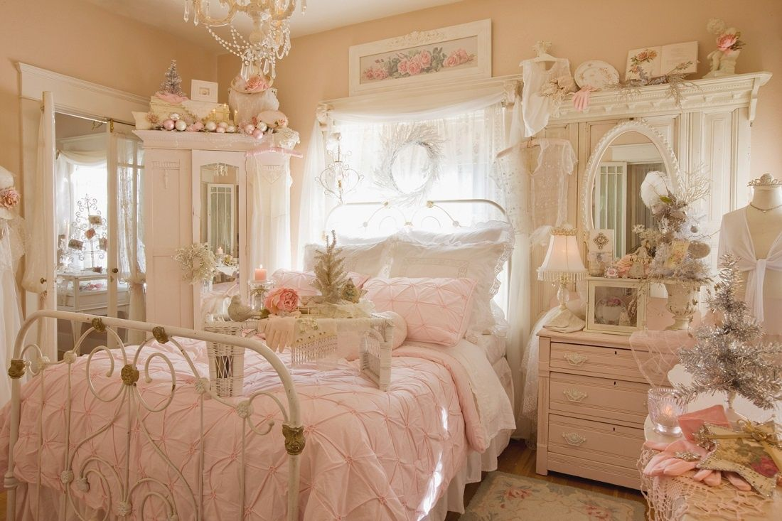 Cozy Feminine Bedroom Ideas for Relaxation and Boosting Your Energy. Girlish pinky bedroom