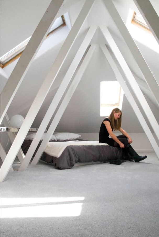 5 Tips to Bring Out the Minimalist Home Designer in You. Jewel toned condo wall finishing and platform bed