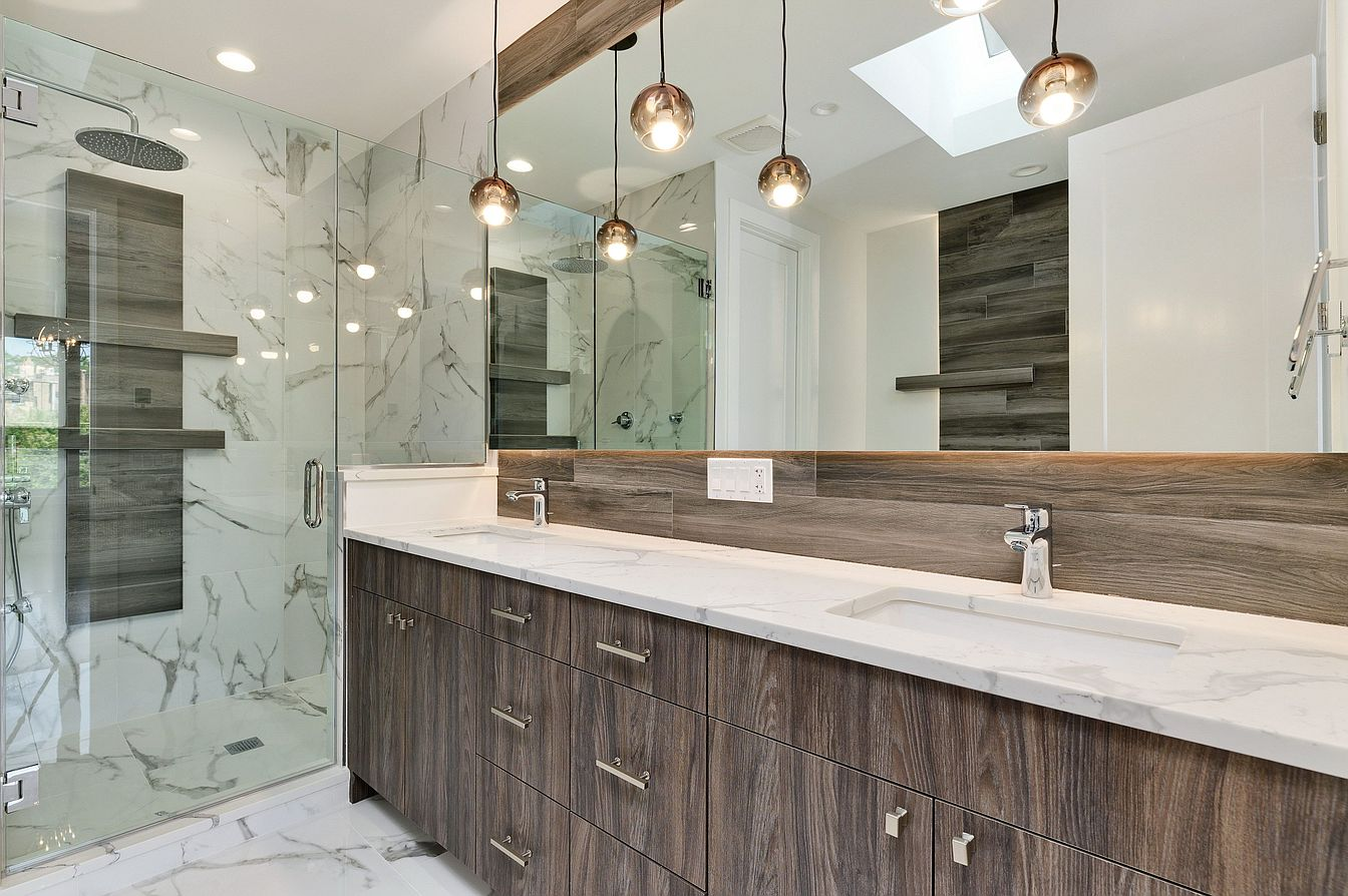 Small Modern Minimalist House in Chicago Downtown Review. Noble wooden decoration of the large vanity and marble trimming of the shower zone