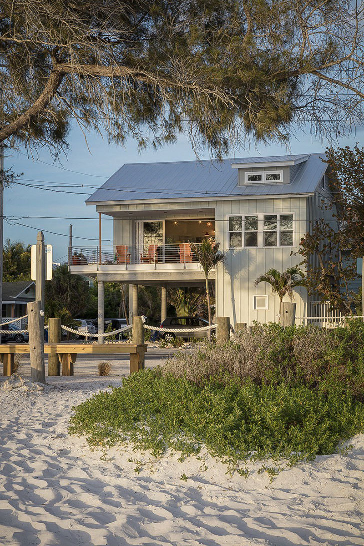Stunning Photo Compilation of Small Beach House Designs that Inspire. Florida Beach cottage that faces ocean