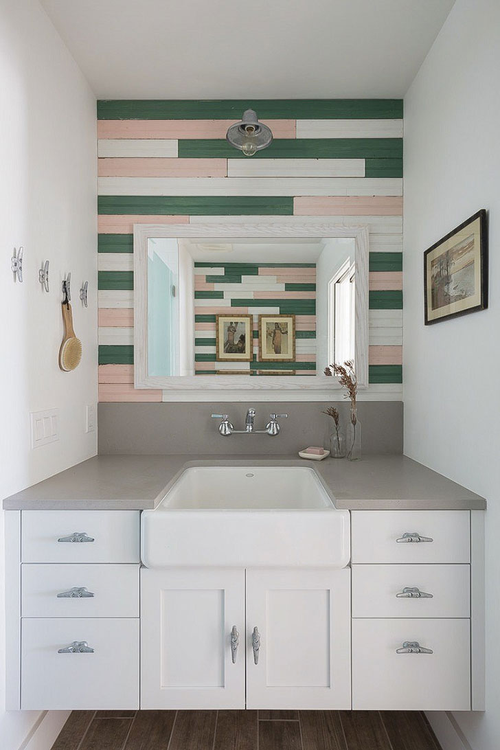 Stunning Photo Compilation of Small Beach House Designs that Inspire. Small bathroom with colorful accent wall and large mirror