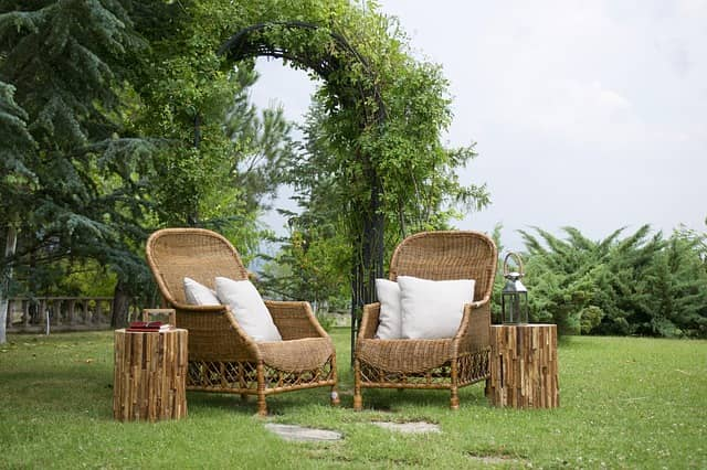 Boho Chic Interior Design to Emphasize Your Apartment's Taste and Status. Wicker open air furniture at the backyard