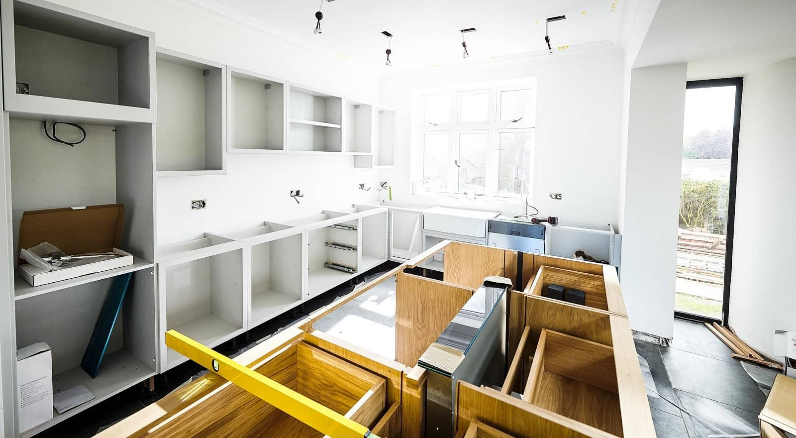 The Do's and Don'ts of a Kitchen Remodel. tsarting the renovation at the kitchen from scratch