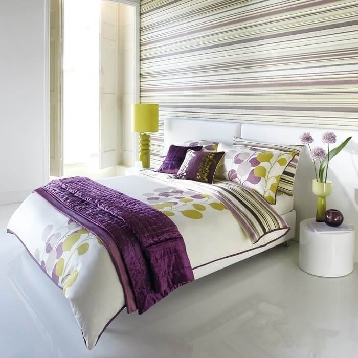 Horizontal stripes of the headboard for utterly minimalistic and efficient modern bedroom design