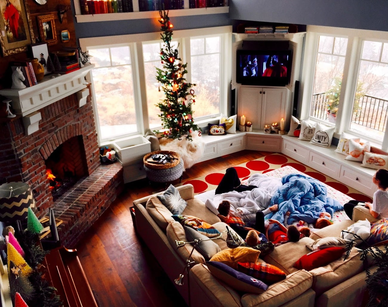 Top view of the large bay window living room with Christmas atmosphere inside