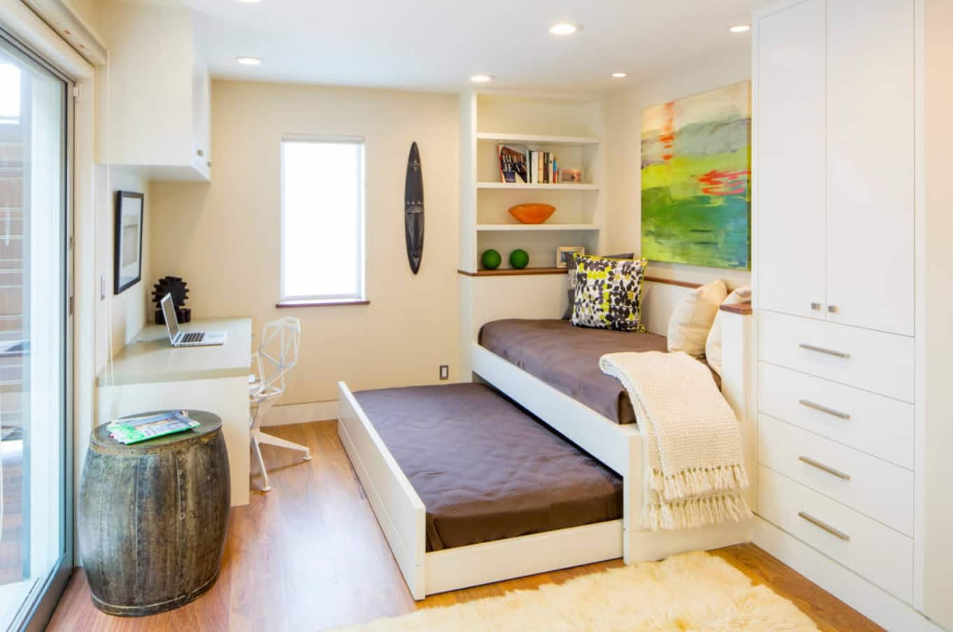 How Many Are Staying? 5 Must-Know Guest Sleeping Solutions. Double sleeping sofa at the small room