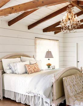 Feng Shui Bedroom Interior Design Ideas for any Kind of Room.  Open ceiling beams in the ethnic styled room
