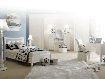 Feng Shui Bedroom Interior Design Ideas for any Kind of Room. Classic light colored room with the furniture set