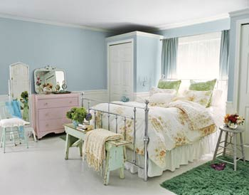 Feng Shui Bedroom Interior Design Ideas for any Kind of Room. Joyfully designed space with green and yellow additions