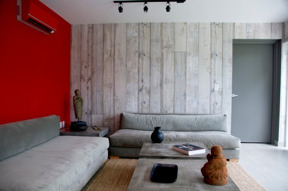Red Living Room: Elegant & Bright Interior Design. Wooden barn sheathing and red accent wall