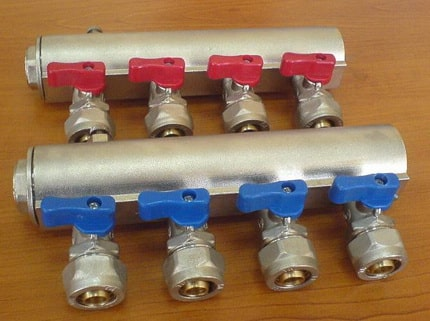 Manifold for hot and cold water
