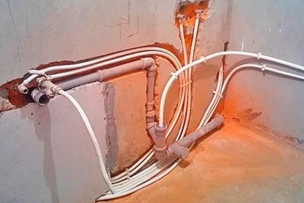 Metal plumbing device