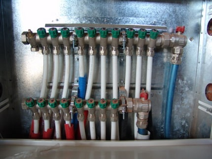 Bathroom Plumbing: Schemes of Installation, Advice. Pipe manifold