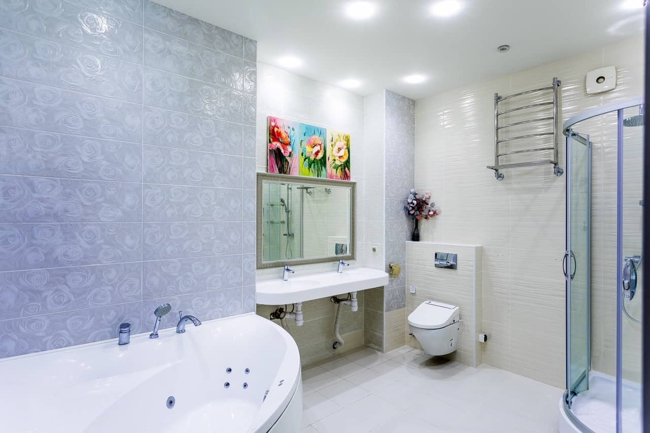 Top 15 Common Mistakes during Bathroom Renovations. Great casual design of the area with bright pictures