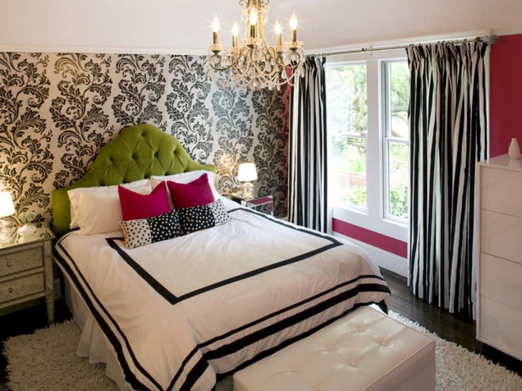 Big Girl Room Interior Design and Decoration Ideas. Black pattern on the wallpaper and queen bed