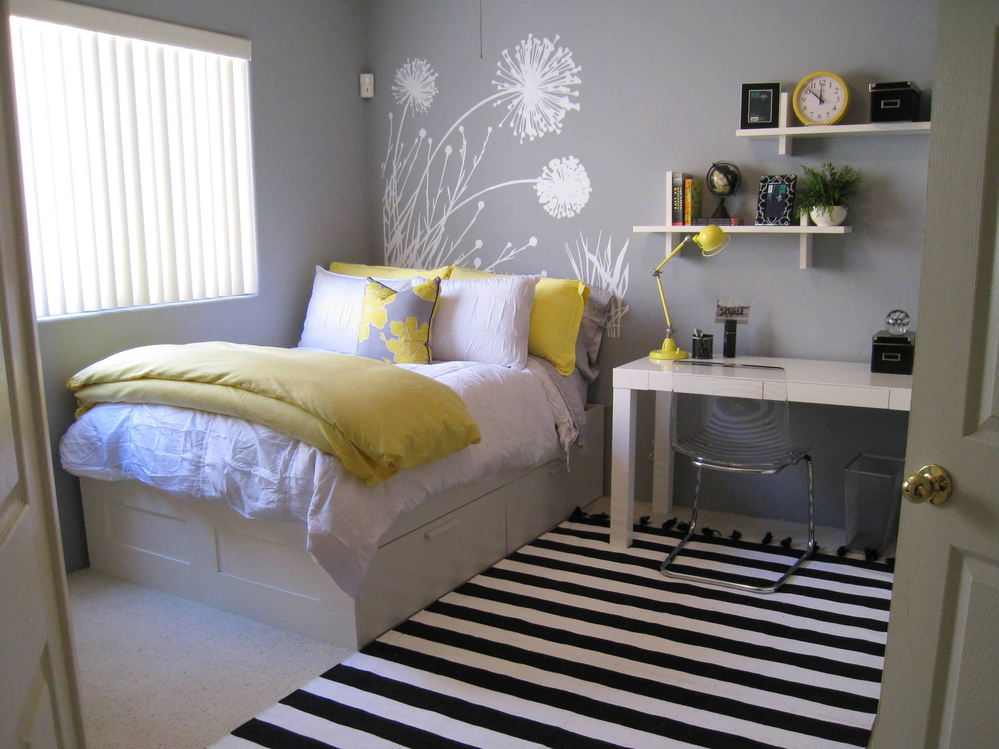 Big Girl Room Interior Design and Decoration Ideas. Zebra rug and grey colored walls with floral pattern