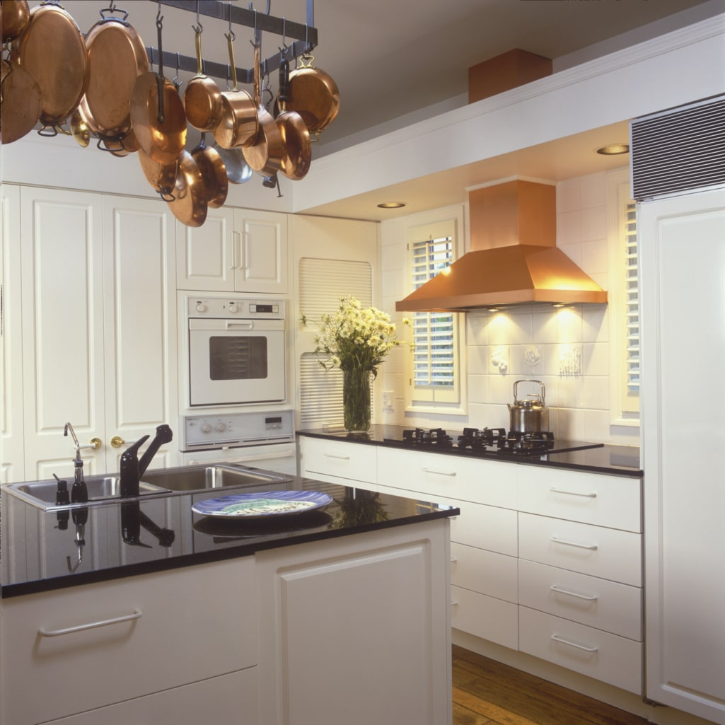 Feng Shui Interior Design and Decoration Philosophy. Great kitchen interior combining natural finishing materials