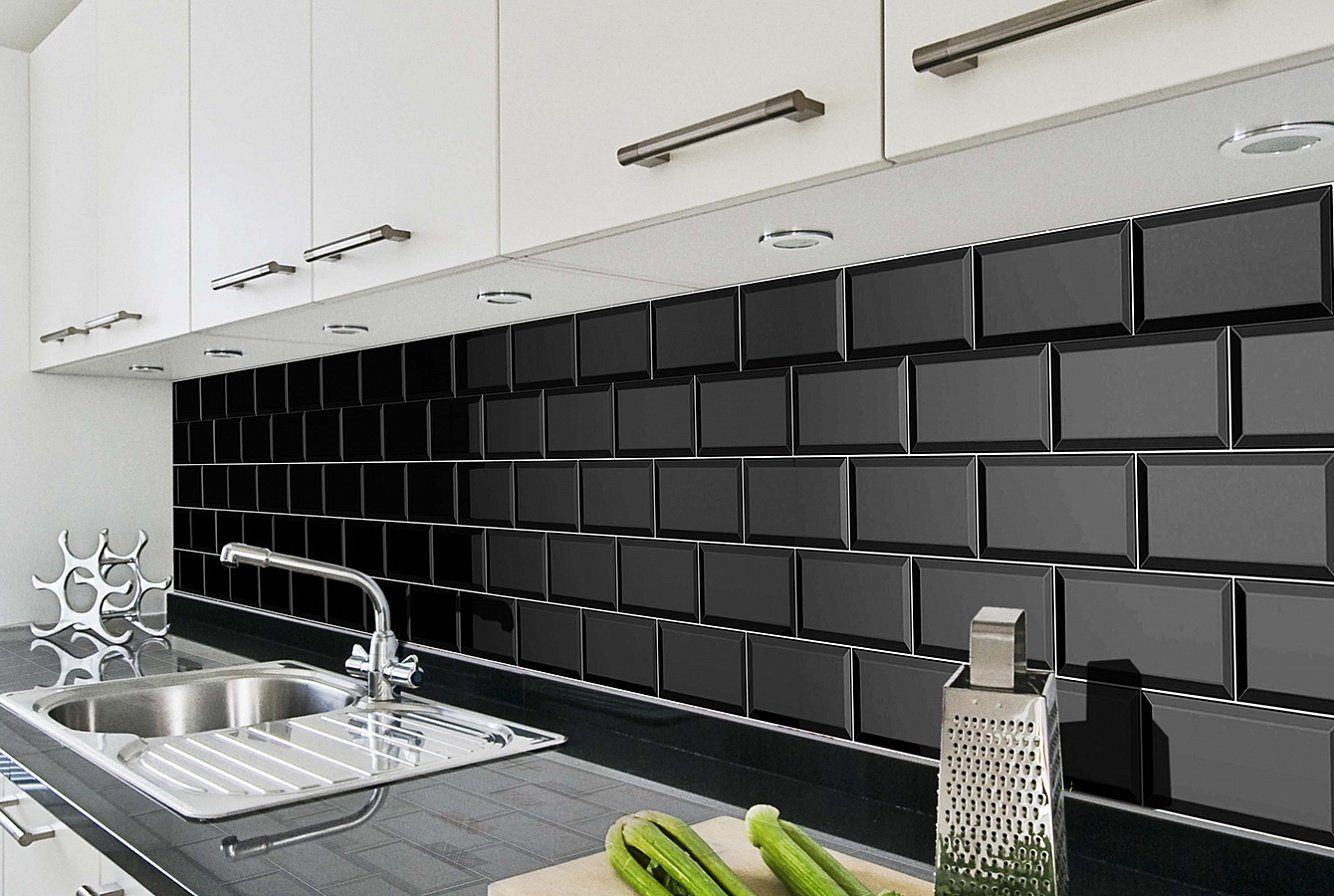 Kitchen Splashback Tile: Best Design and Decoration Ideas. Daring black accent with metro tiles