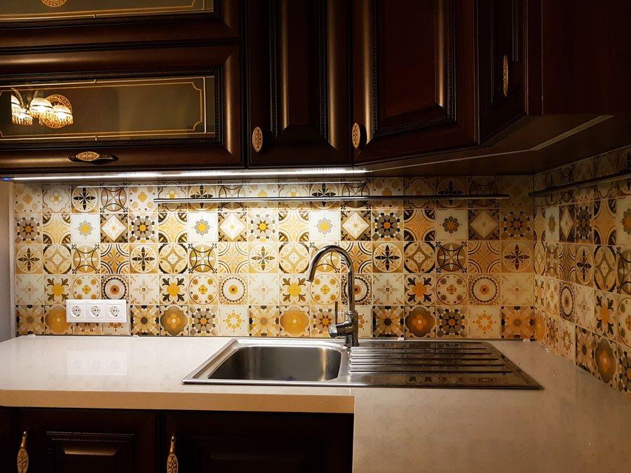 Kitchen Splashback Tile: Best Design and Decoration Ideas. Moroccan tiles in ethnic motifs