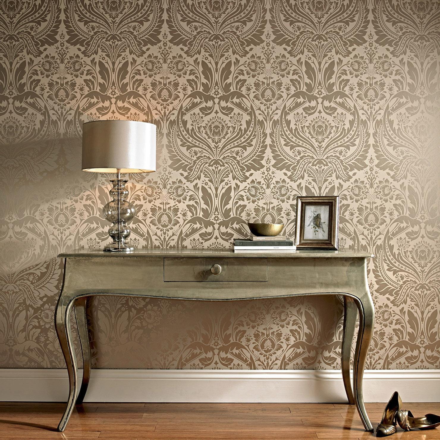 Great classic wallpaper with Gilded lampshade and table on bent legs