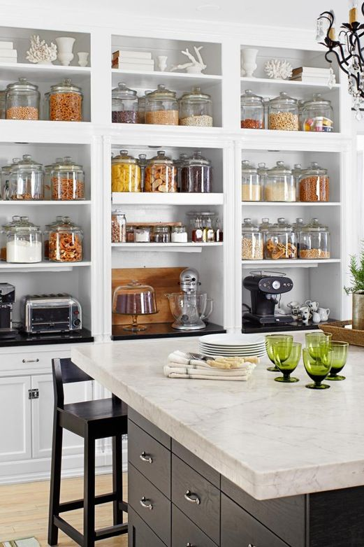 Open pantry shelves to make everything on sight